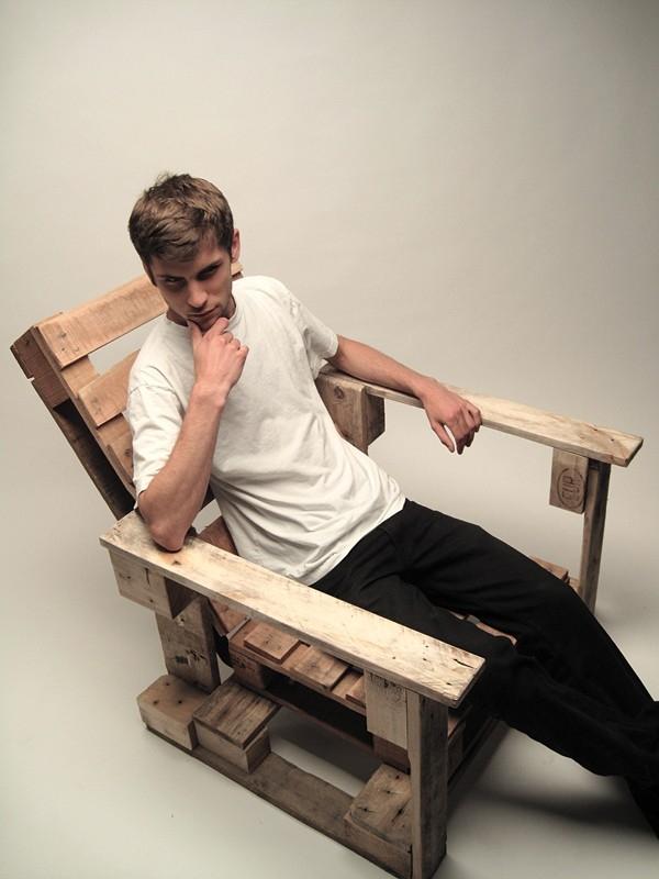 Usiądź na palecie w ogrodzie - design, fotel
