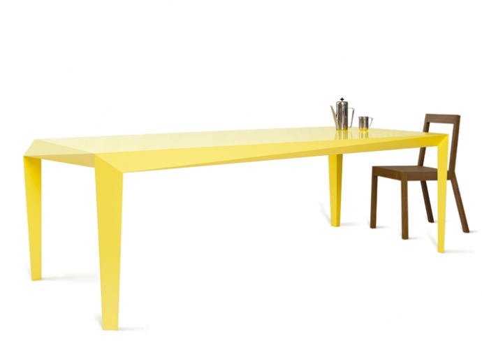 Volt table - żółto i dynamicznie - design, stół