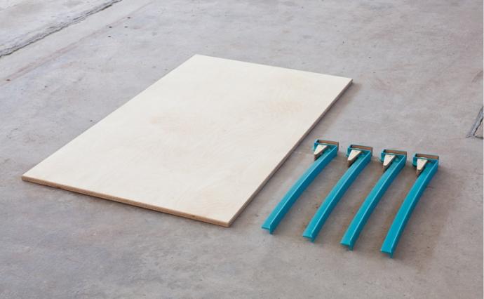 Instant Table, sklejka i trochę błękitu - design, stół