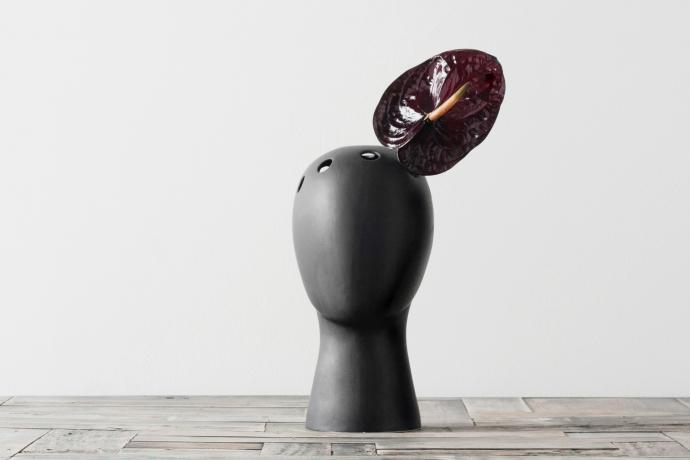 WIG, głowa pełna pomysłów i kwiatów - design, wazon
