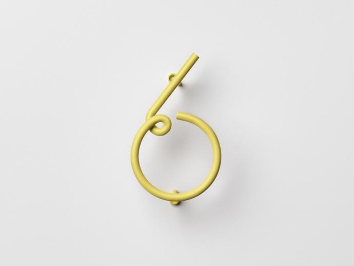 Nowoczesny numer sześć Wire Number w kolorze żółtym.