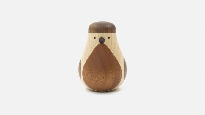 Designerska figurka Re-Turned Sparrow Maple z klonu.