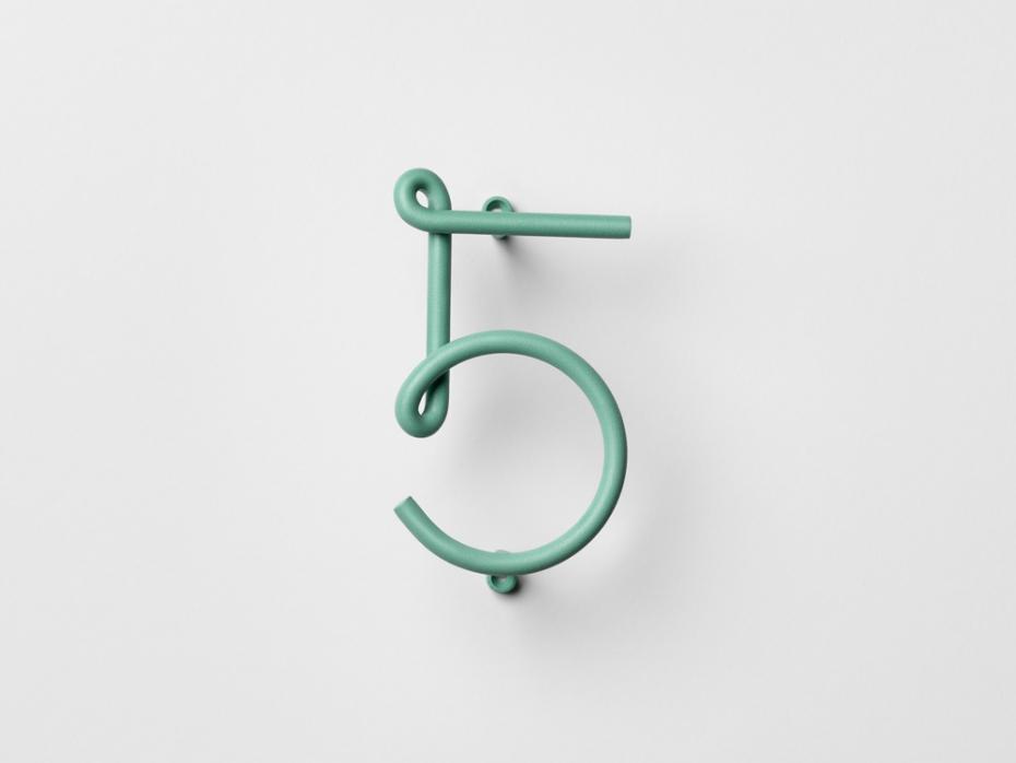 Nowoczesny numer pięć Wire Number w kolorze zielonym.